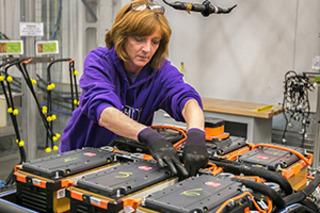 利用Maxwell技術 特斯拉未來或自行生產電池