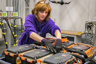 利用Maxwell技术 特斯拉未来或自行生产电池
